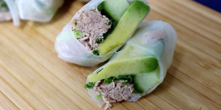 Rijstpapier gevuld met tonijn
