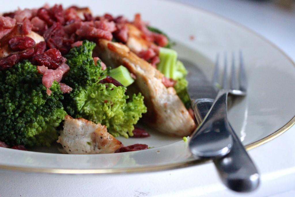 Broccolisalade met kip